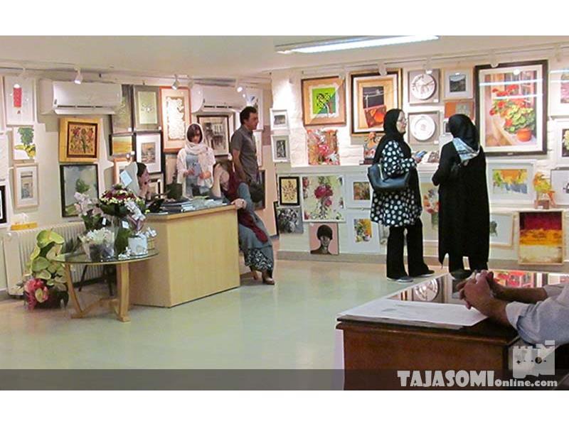گزارش-تصویری-نمایشگاه-صد-اثر-صد-هنرمند-در-گالری-گلستان