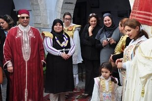 جشنواره-صنایعدستی-و-لباسهای-محلی-در-تونس