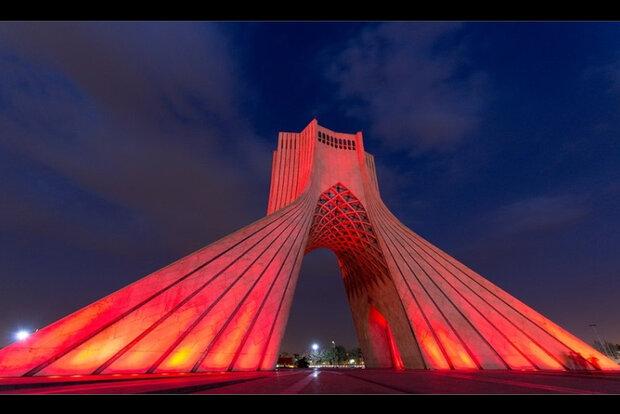 هدیه-فرهنگی-برج-آزادی-به-مناسبت-هفته-نیروی-انتظامی