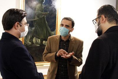 بازدید-معاون-هنری-و-مدیرکل-هنرهای-تجسمی-از-نمایشگاه-حسن-روحالامین