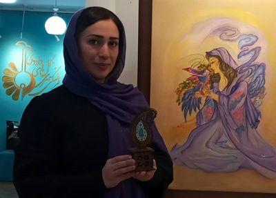 نمایشگاه-«نیایش-و-آرامش»-در-گالری-گلهای-داوودی-به-روایت-آزاده-حسینجانی